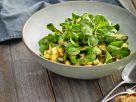 Feldsalat mit Pastinaken und Senfvinaigrette Rezept
