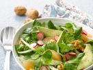 Feldsalat mit Radieschen, Avocado, Walnüssen und Fenchel Rezept