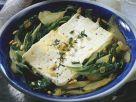 Feta auf Mangoldgemüse mit Pinienkernen Rezept