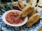 Fisch-Shrimps-Röllchen mit Chilisoße auf Thai-Art Rezept