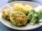 Fischbuletten mit Gurkensalat und Püree Rezept