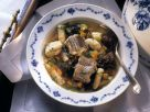 Fischsuppe Hamburger Art mit Aal, Dörrobst und Klößen Rezept