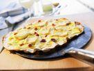 Flammkuchen mit Speck und Weichkäse Rezept