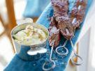 Fleischspieße auf indische Art (Tandoori) mit Dip Rezept