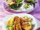 Fruchtiges Hähnchen mit Lauch und Salat Rezept