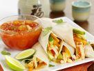 Frühlingsrollen mit Hähnchen, Gemüse und süß-saurer Sauce Rezept