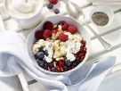 Frühstücks-Bowl mit körnigem Frischkäse Rezept