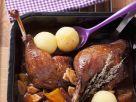 Gänsekeule mit Pflaumen-Apfel-Soße Rezept