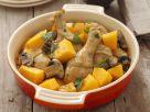 Gebackene Hähnchenkeulen mit Champignons und Kürbis Rezept