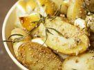 Gebackene Kartoffeln mit Sesam, Zitrone und Rosmarin Rezept