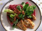 Gebratene Schollenfilets im bunten Salatbett Rezept