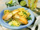Gebratener Lachs mit Nudeln und Limettensoße Rezept