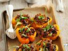 Gefüllte Paprika mit Bohnen und Hack Rezept