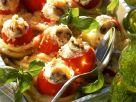 Gefüllte Tomaten auf Makkaronibett Rezept
