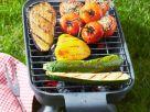 Gegrillte Aubergine, Paprika, Zucchini und Tomaten Rezept