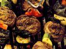 Gegrillte Fleischspieße mt Gemüse Rezept