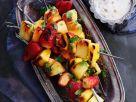 Gegrillte Fruchtspieße mit Sauce Rezept