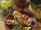 Gegrillte Hähnchenspieße mit pikanter Marinade Rezept