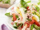 Gemischter Salat mit Ei und Joghurtdressing Rezept