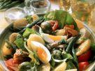 Gemüsesalat mit Ei, Salami und Thunfisch Rezept