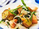 Gemüsesalat mit Lachs Rezept