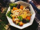 Gemüsetopf (Sojabohnen, Shiitakepilze, Kartoffeln, Bambus) Rezept