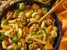 Geschmortes Gemüse mit Nüssen Rezept