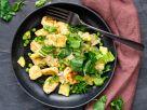 Gnocchi mit Mangold, Erbsen und Dill Rezept