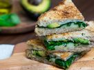 Grilled Cheese Sandwich mit Avocado und Spinat Rezept