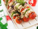 Grillspieße mit Hähnchenbrustfilet, Tomaten und Paprika Rezept