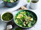 Grüne Minestrone mit Pesto Rezept