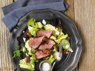 Grüner Salat mit Pekannüssen und Roastbeef Rezept