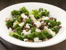 Grünkohl mit Zwiebeln, Sultaninen und Schafskäse Rezept