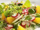 Gurken-Radieschensalat mit Orangendressing Rezept