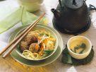 Hackbällchen mit Gemüse und Nudeln Rezept