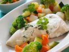 Hähnchen mit Kräutersauce und Gemüse Rezept