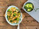 Hähnchen-Reis-Pfanne mit Brokkoli und Mais Rezept