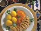 Hähnchenbrust in Marinade, dazu karamellisierte Karotten und Safrankartoffeln Rezept