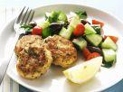 Hähnchenfrikadellen mit Gurkensalat Rezept