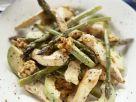 Hähnchensalat mit Avocado, grünem Spargel und Walnusskernen Rezept
