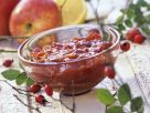 Hagebuttenkonfitüre mit Apfel Rezept