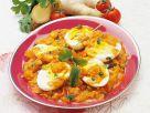 Hartgekochte Eier mit scharfer Tomatensauce Rezept