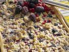 Hefekuchen mit Beeren und Streusel Rezept
