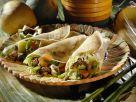 Herzhafte Crêpes mit Fleisch, Bohnen und Bambus Rezept