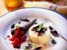 Honigeis mit Beeren Rezept