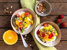 Hüttenkäse mit Obst Rezept
