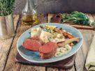 Irische Rinderhüfte im Speckmantel mit Pappardelle und Kräuterseitlingen Rezept