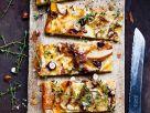 Käse-Birnen-Tarte mit Nüssen und Thymian Rezept