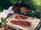 Käsekuchen vom Blech mit Beeren Rezept