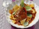 Kalbsbacken im Tomatensud geschmort Rezept